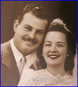 SIGNED ANTIQUE WEDDING PHOTOGRAPH in LARGE OVAL PICTURE FRAME 19 3/4 x 16