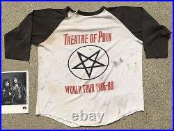 Vintage 80s 1985 MOTLEY CRUE Theatre of Pain Concert Tour T SHIRT Autographed